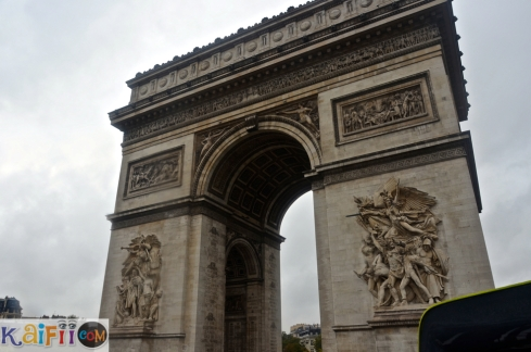 Paris tour جولتي في باريس على الباص السياحي