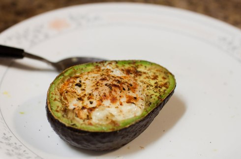 egg-baked-inside-avocado