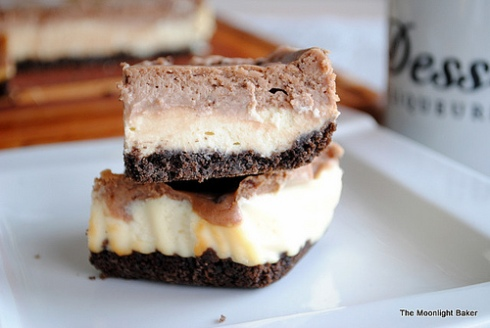 nutella-cheesecake-layer-bars-from-The-Moonlight-Baker