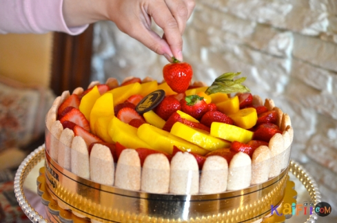 DSC_0481mango strawberry cake