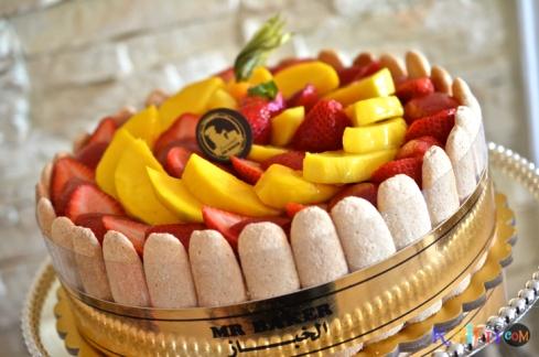 DSC_0487mango strawberry cake