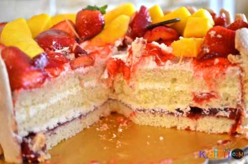 DSC_0516mango strawberry cake