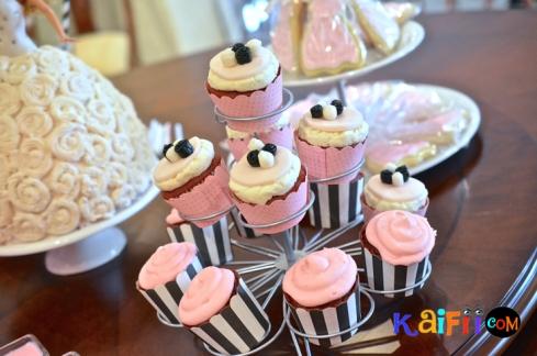 DSC_0269barbie cake
