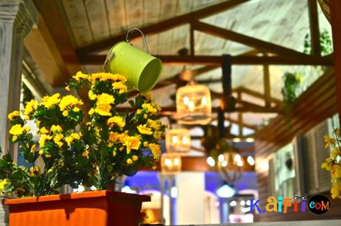DSC_0549porch cafe