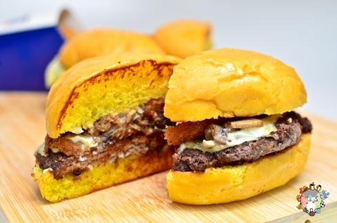 DSC_0555full house burgers