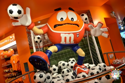 DSC_1288m&ms world