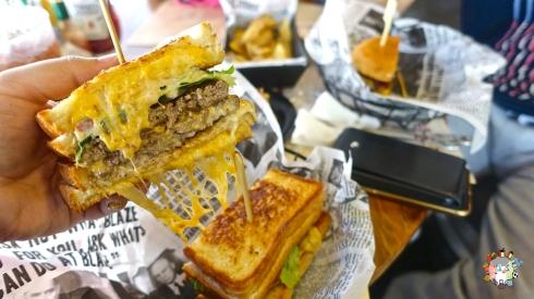 DSC01979blaze burger
